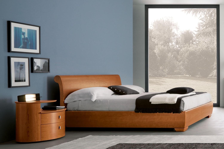 Camera napol cemi moderno legno com e comodini camere a - Colore pareti camera da letto mobili ciliegio ...
