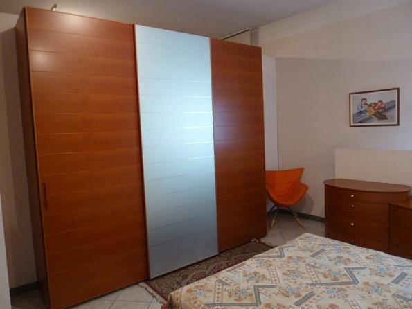 Camera napol scontata camere a prezzi scontati - Armadio ciliegio specchio ...