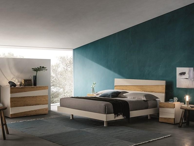 Com e comodini moderni in legno a prezzo ribassato for Comodini moderni