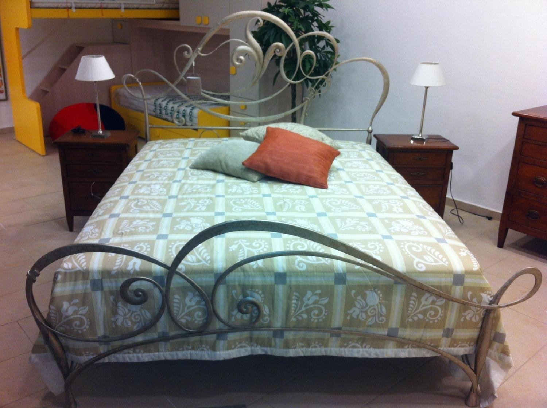 Camera giusti portos perlage scontato del 52 camere a - Camere con letto in ferro battuto ...