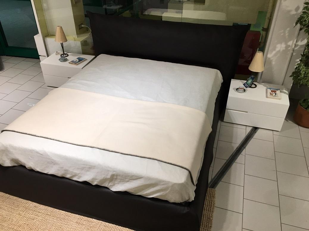Pianca gruppo letto moderno con letto imbottito camere a - I segni zodiacali a letto ...