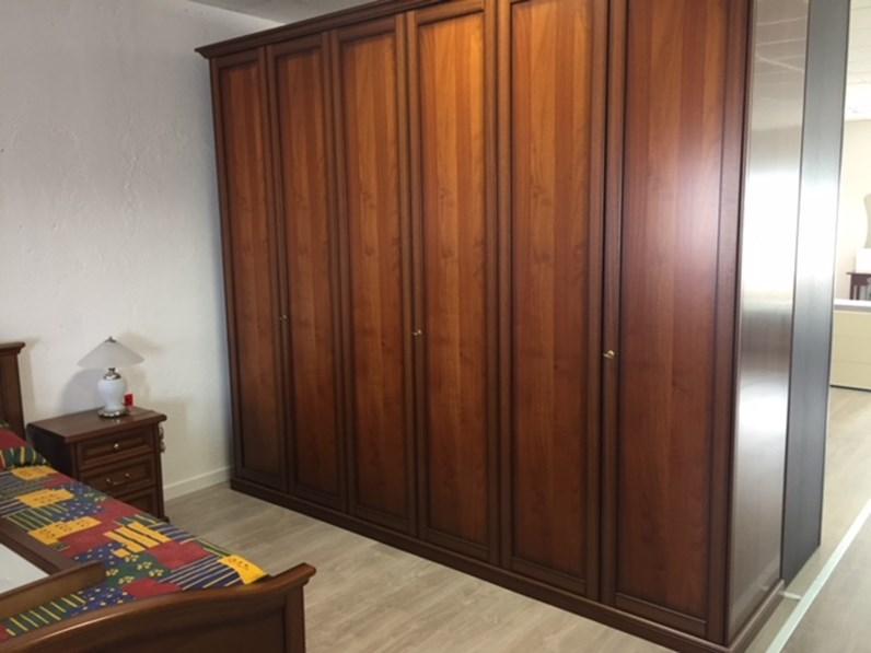 https://www.outletarredamento.it/img/camere/piccinato-camera-borgo-antico-classiche-legno-camera-completa_N1_316301.jpg