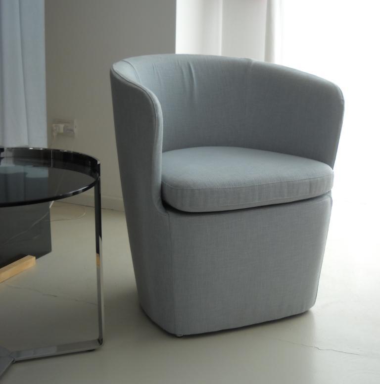 Poltrone camera da letto prezzi poltroncina per camera da letto classica prezzi e misure con - Poltrone da camera da letto ikea ...