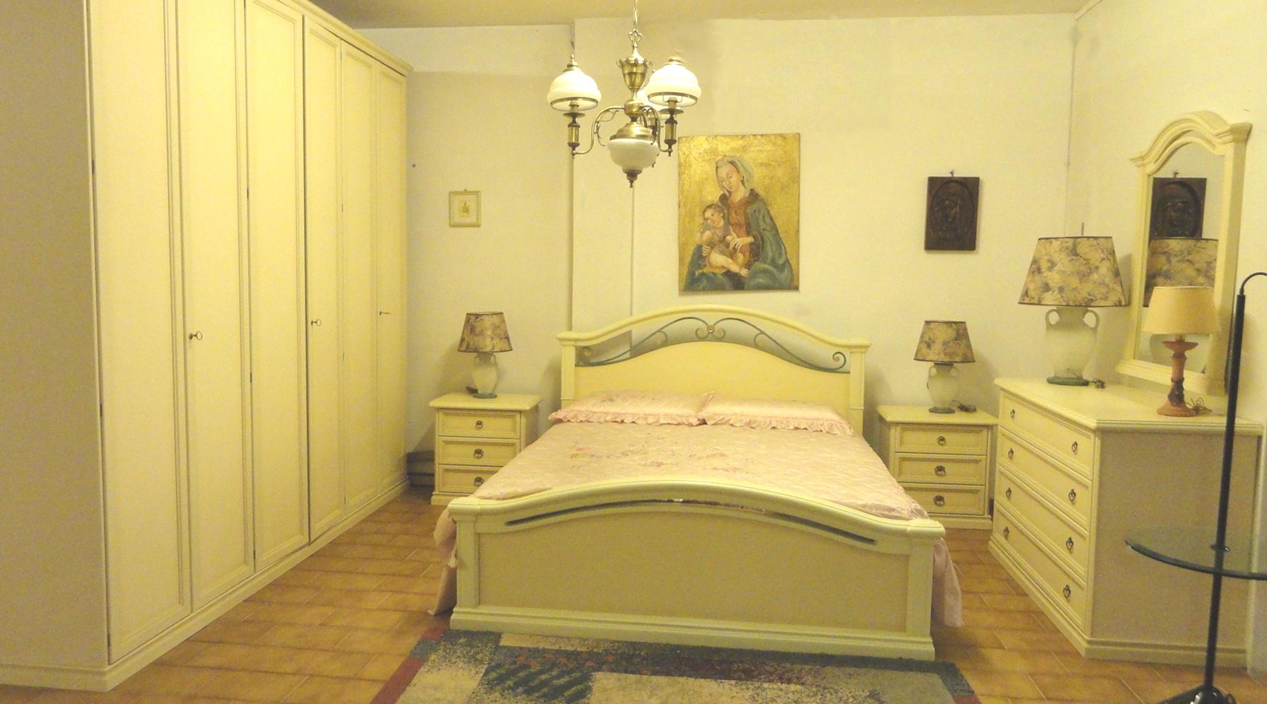 Venier camera 900 classiche legno laccato camere a for Camere in legno