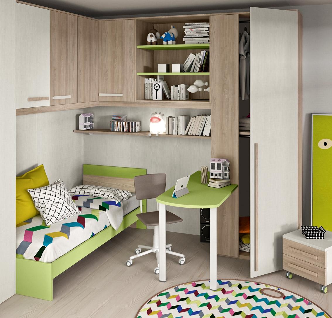 Cameretta angolare con un letto colorata camerette a for Libreria per scrivania