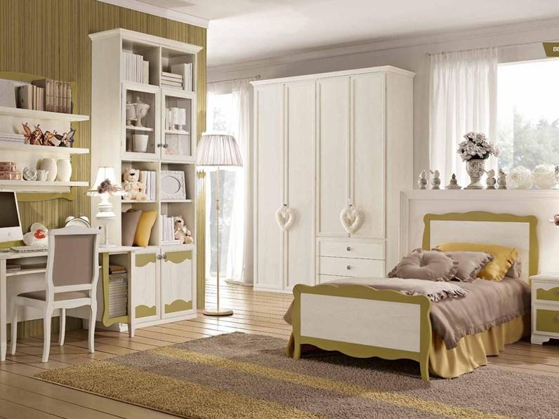 Cameretta Beverly con un letto particolari in legno
