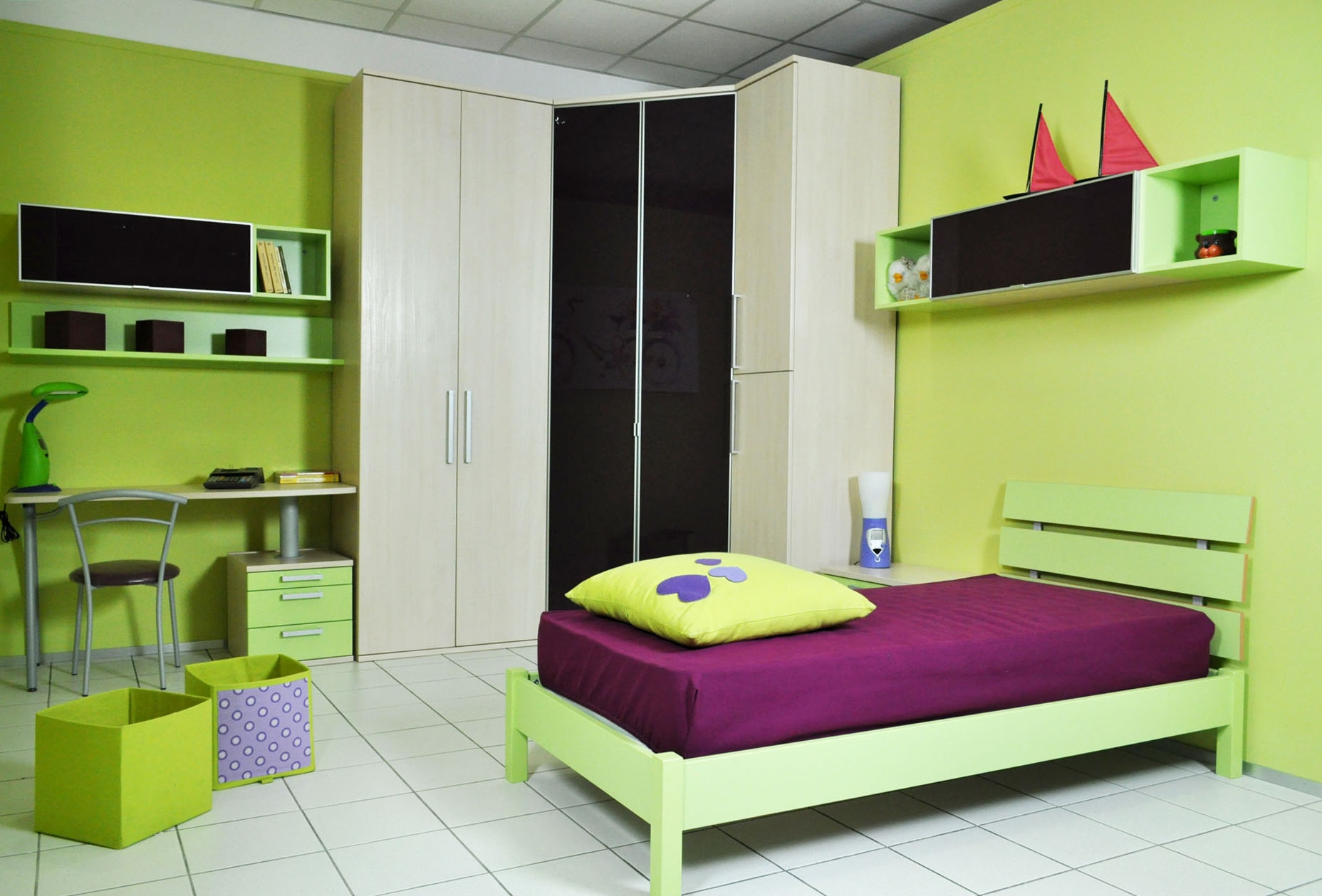 Cameretta colombini golf con cabina e scrivania letto a - Camerette con cabina armadio ...