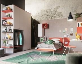Cameretta completa di armadio zona studio e letto a terra -50%