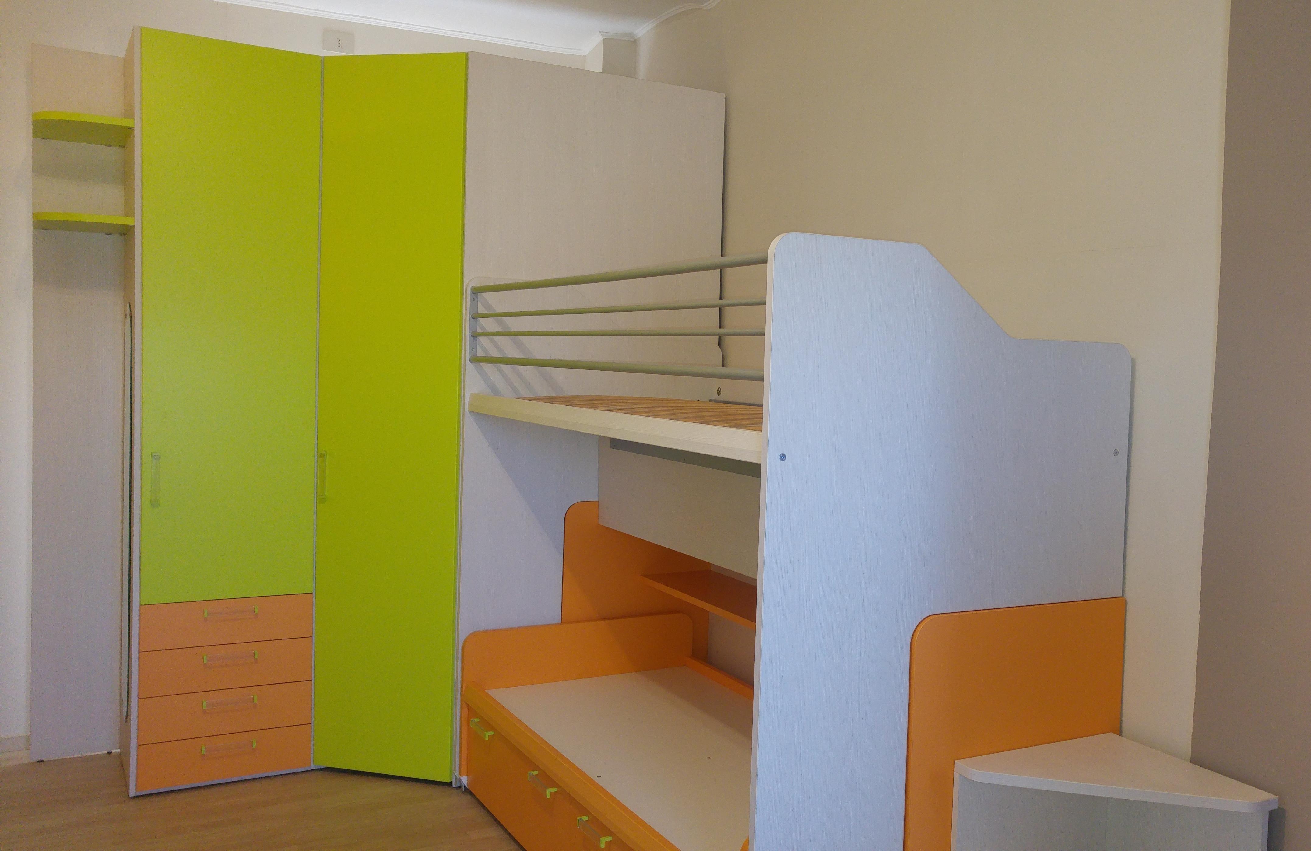 Camerette colorate disegno idea armadi colorati per for Dammacco arredamenti