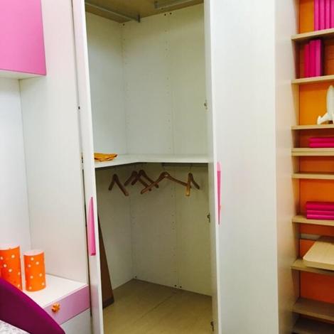 Cameretta doimo cityline con cabina armadio e piano studio for 2 piani piano cabina storia