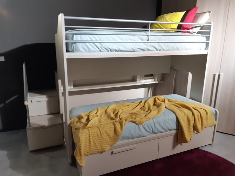 Cameretta modello vip angolo dielle con letto a castello scorrevole a prezzo outlet for Cameretta con letto a castello