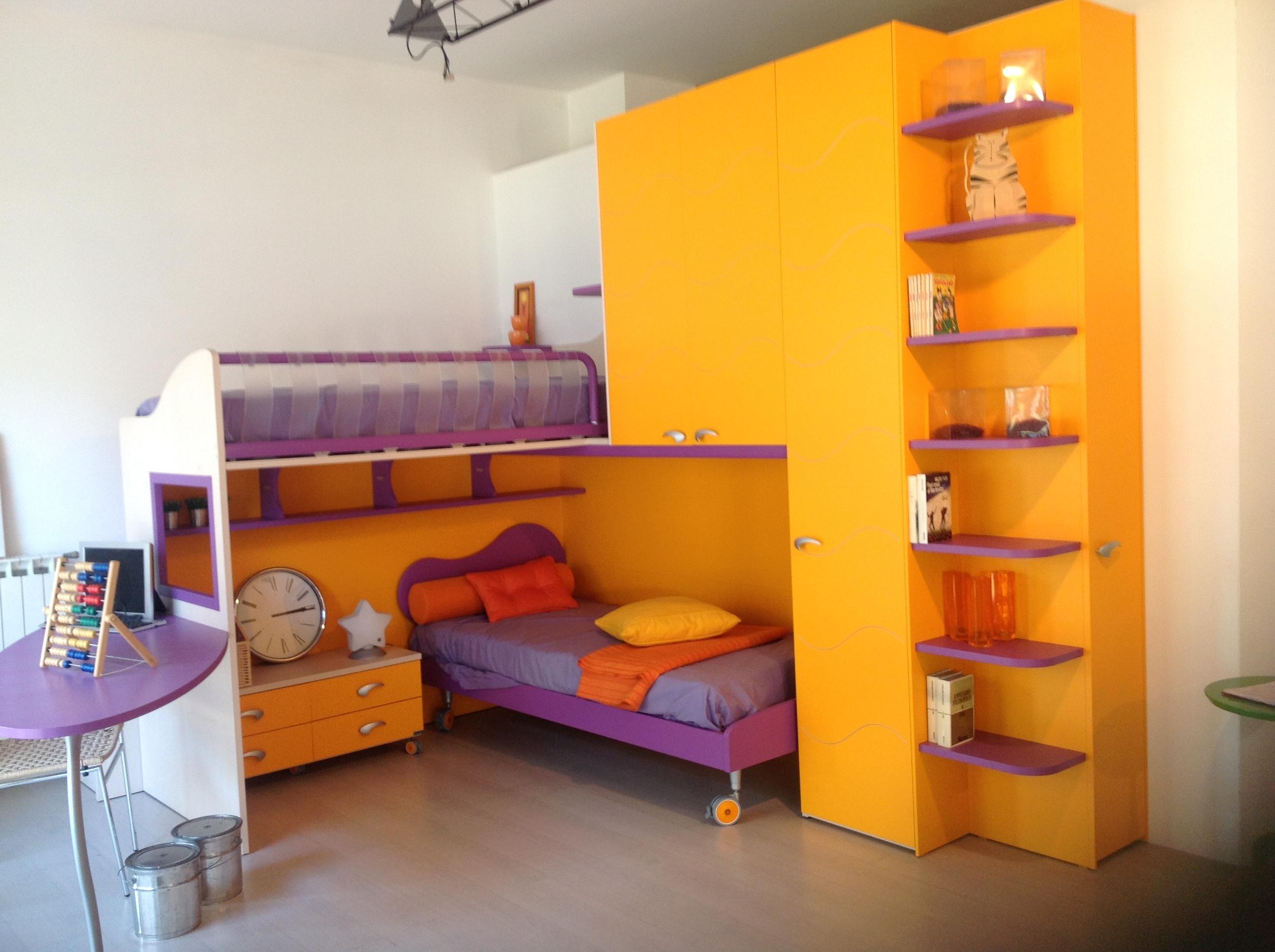 Cameretta lilla e rosa design casa creativa e mobili for Parete cameretta bambina