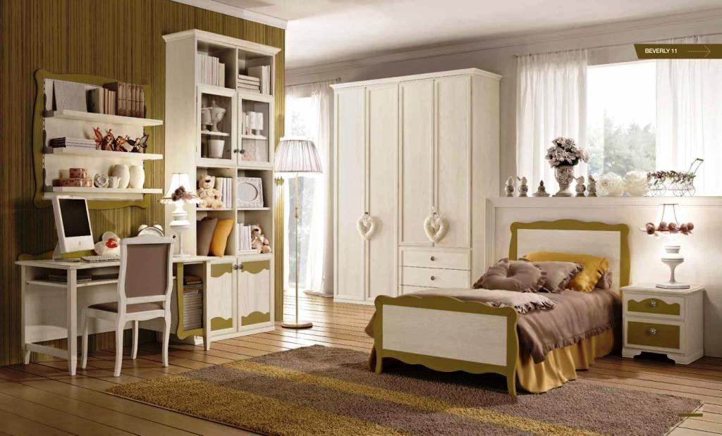 Cameretta per le ragazze in legno in stile provenzale for Camerette per bambini particolari
