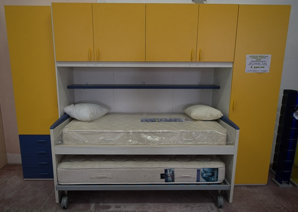 Cameretta usata gialla camerette a prezzi scontati for Cameretta usata torino