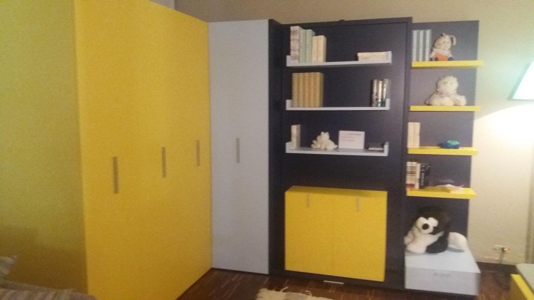 Scrivania a scomparsa armadio bianco libreria con - Ikea letti divano ...
