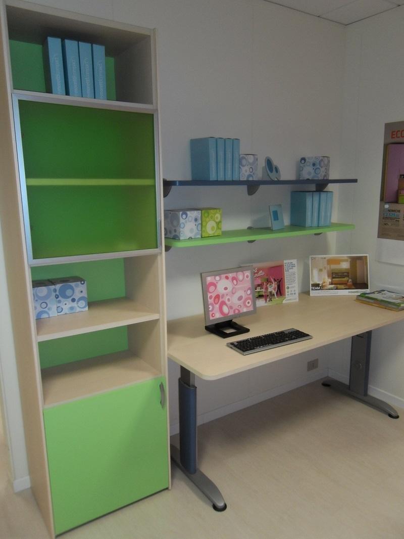 Moretti compact scrivania con libreria camerette a - Prezzi camerette moretti compact ...