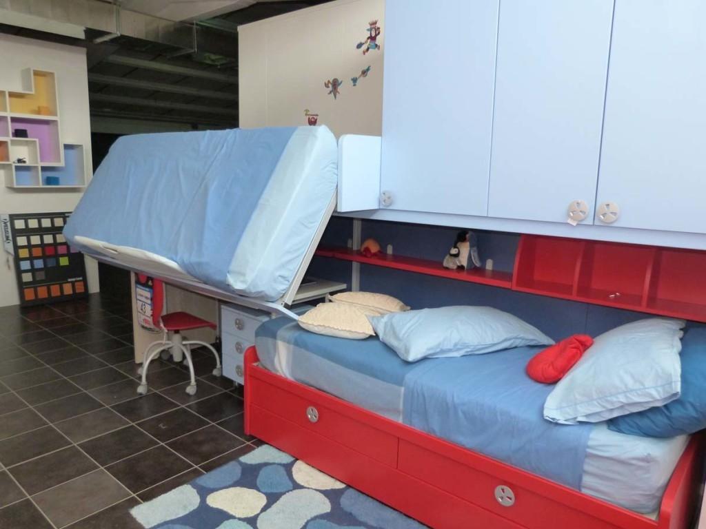 Battistella cameretta klou xl soppalco con 3 letti for Ikea letto ribaltabile