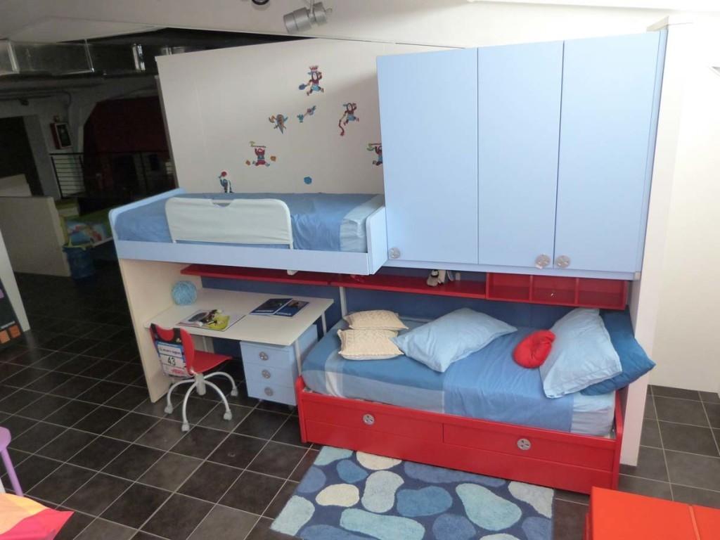 Lavandino con mobile - Letto a soppalco con scrivania ...
