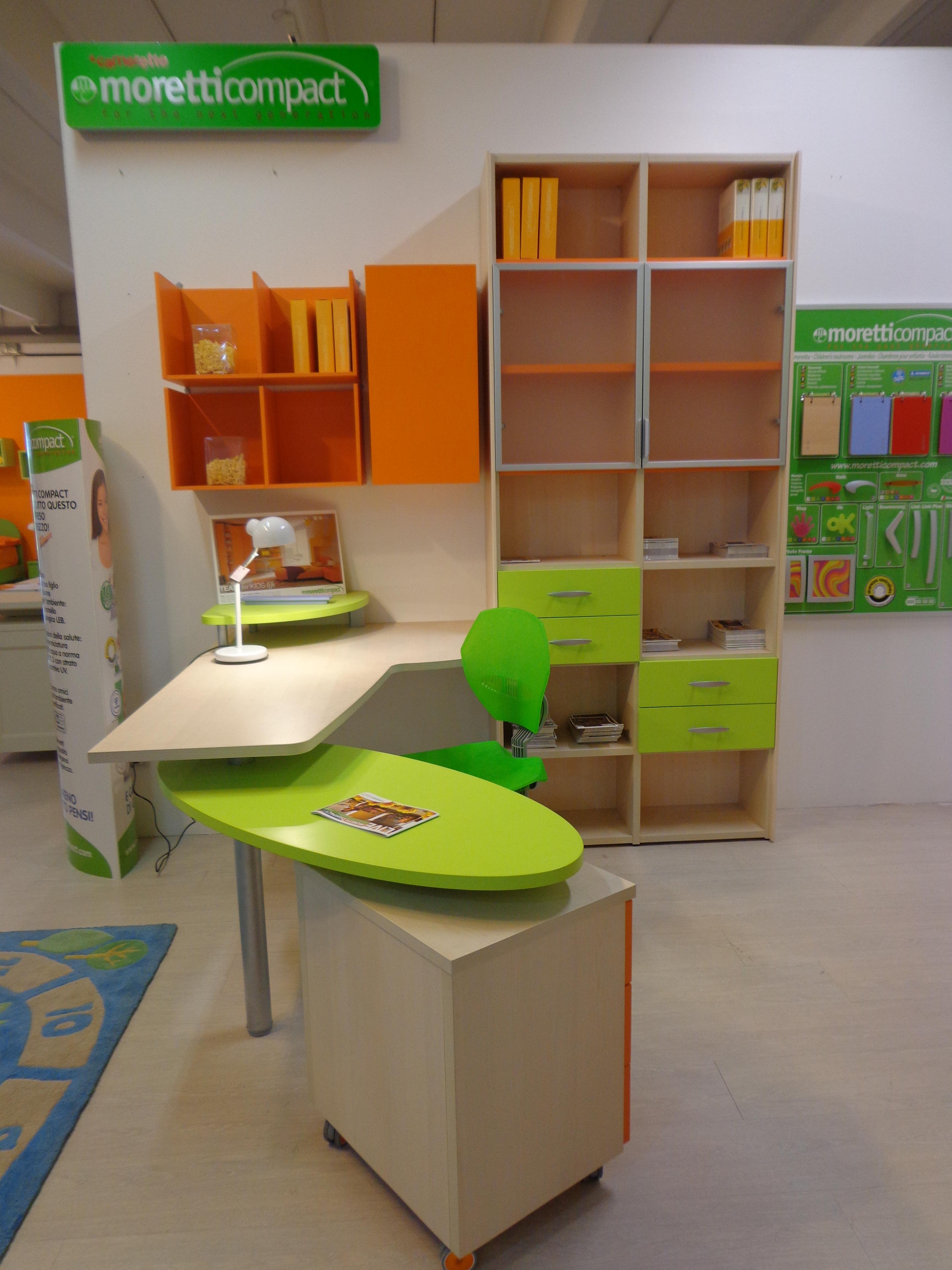 Scrivania bambini verde design casa creativa e mobili for Scrivania con libreria ikea