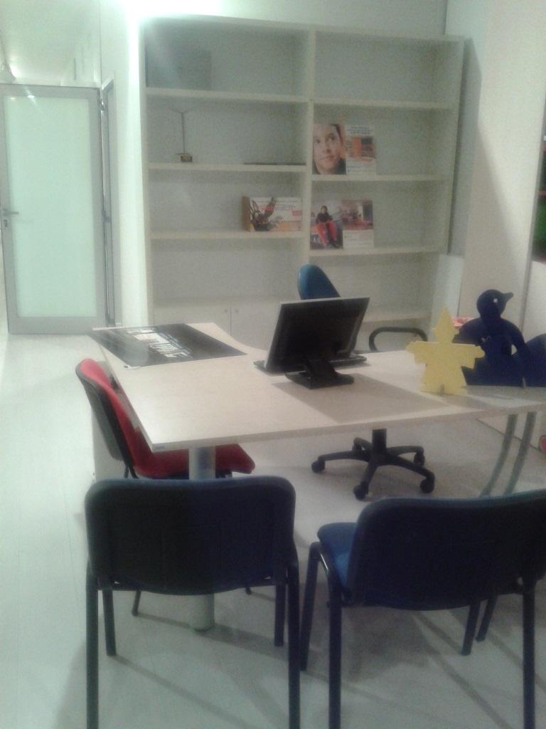 Zona Studio Una Casa Per Musicisti Idee Architetti Armadio Cameretta Su Misura E Zona Studio