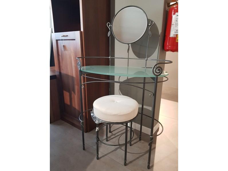 Toilette marlene ferro e vetro ciacci a prezzo ribassato for Folini arredamenti