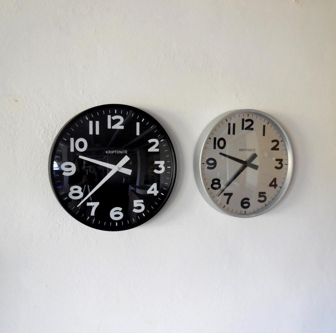 complemento kriptonite orologio da parete alluminio design