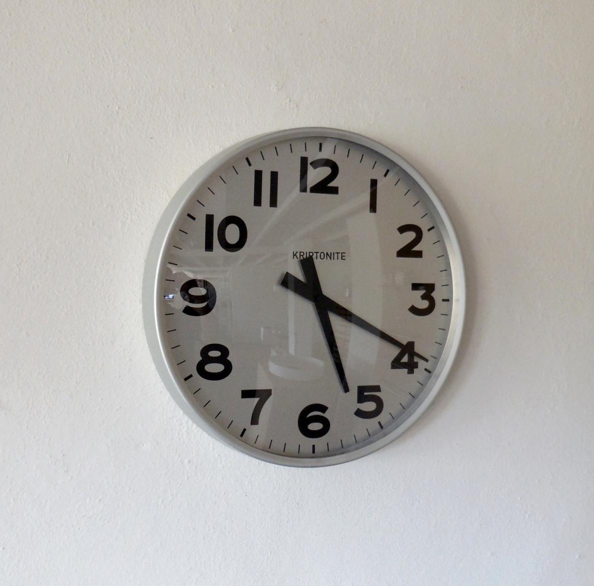 Complemento kriptonite orologio da parete alluminio design - Orologio design parete ...
