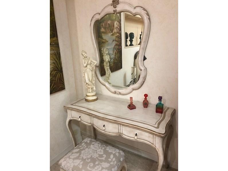 Consolle E Specchiera.Consolle Toilette Con Panchetta E Specchiera In Stile Classico Silvano Grifoni A Prezzo Ribassato