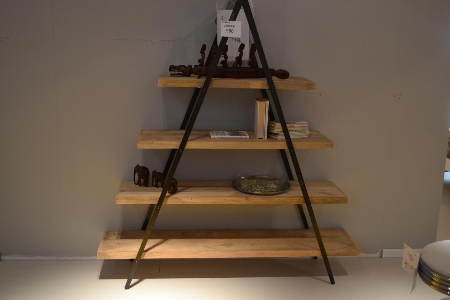 libreria con struttura in ferro battuto e ripiani in legno ... - Arredo Bagno In Ferro Battuto Prezzo