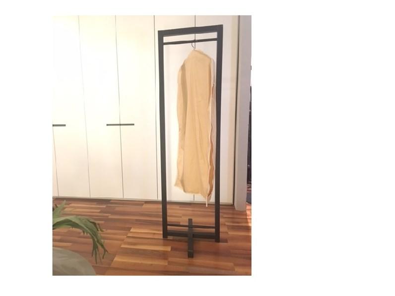 Porta abiti da camera marca axil for Matteuzzi arredamenti