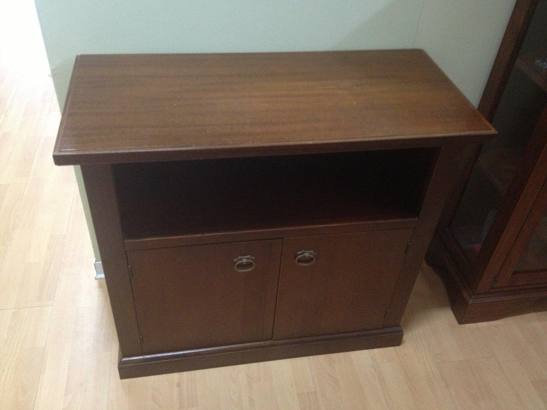 Domus mobili legno classico legno portatv complementi a for Domus mobili