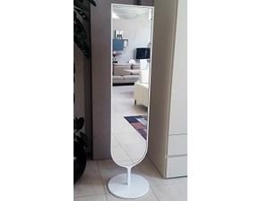 Specchiera Tamira  in stile Design Sovet italia a prezzo ribassato