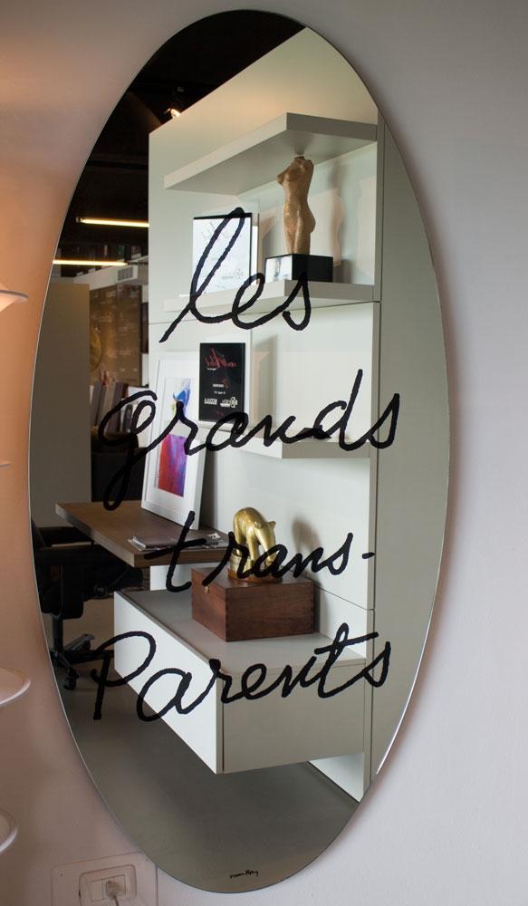 Specchio ellittico les grands trans parents by simon - Regalare uno specchio porta male ...