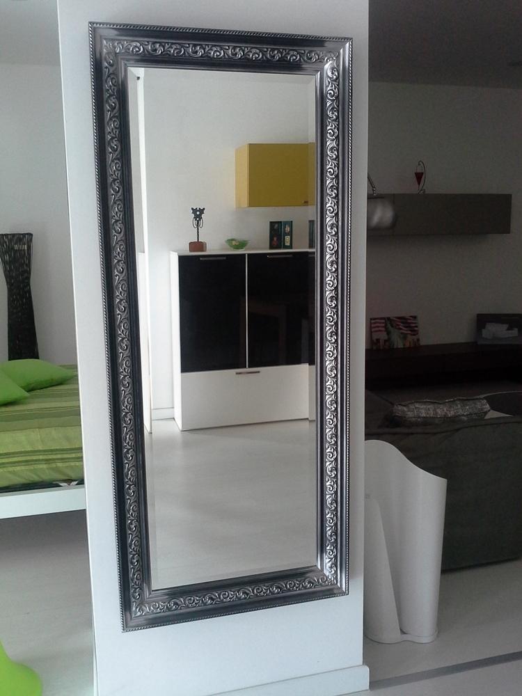 Specchio flai cornice lavorata complementi a prezzi scontati for Cornice specchio