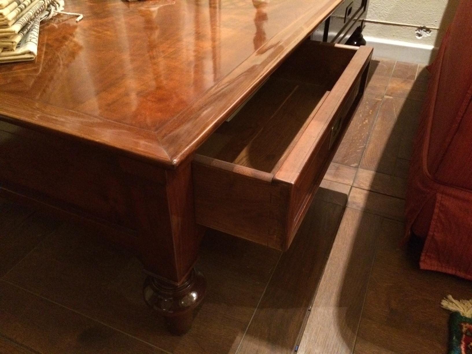 Tavolino soggiorno legno idee per il design della casa for Soggiorno in legno
