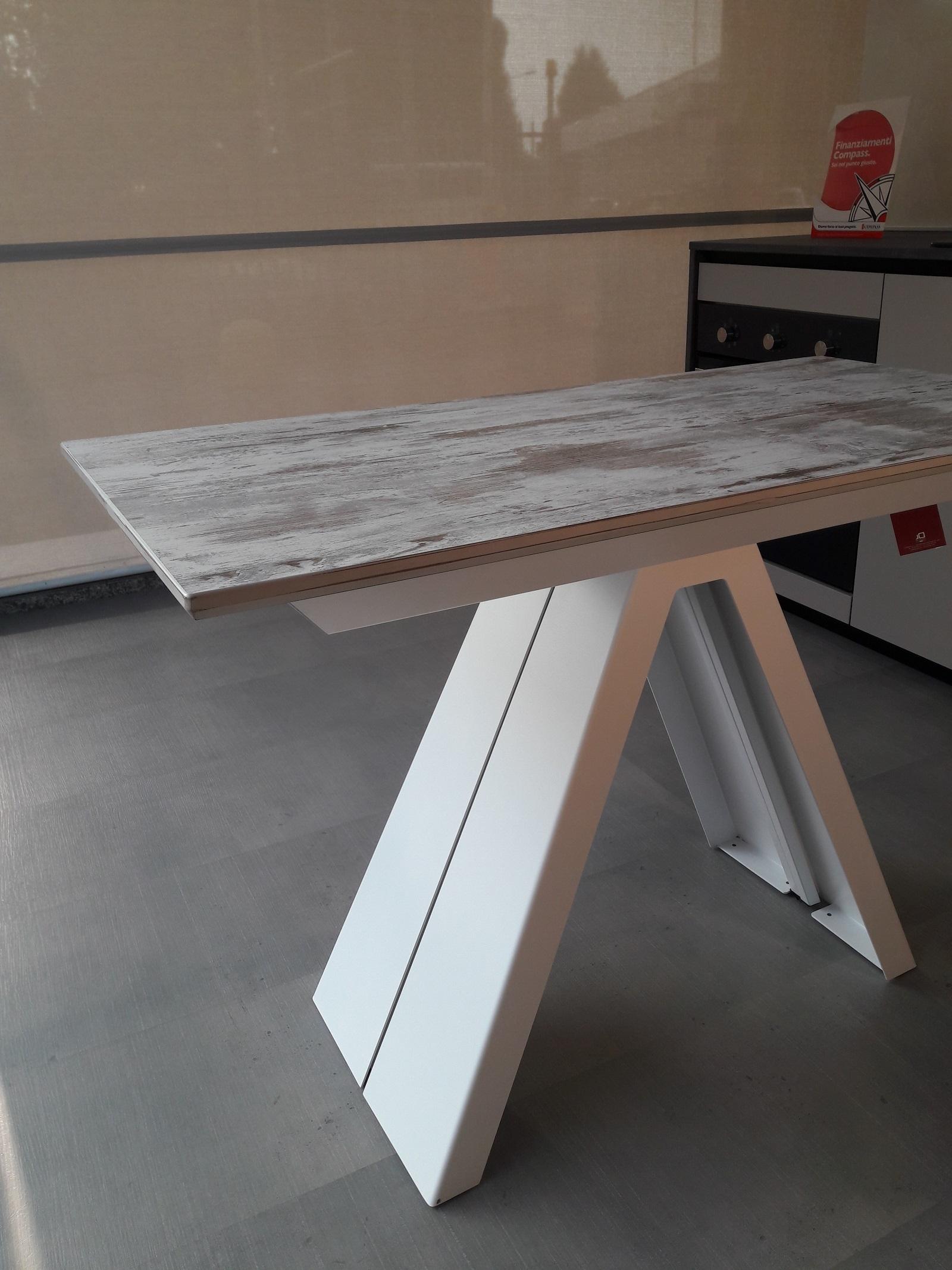 Tavolo consolle allungabile fino a 325 cm scontata del 30 for Consolle allungabile laccata bianca