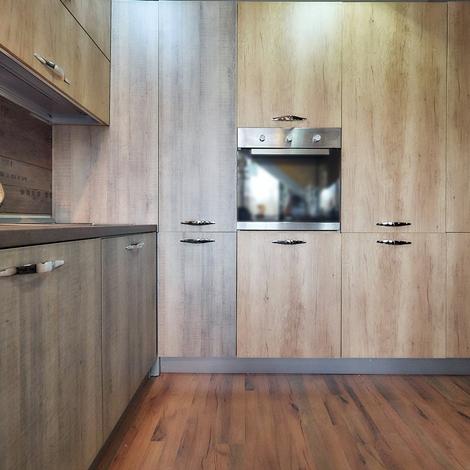 cucina angolare maxi con colonne dispensa e forno frigo in super offerta outlet scontato del 60. Black Bedroom Furniture Sets. Home Design Ideas