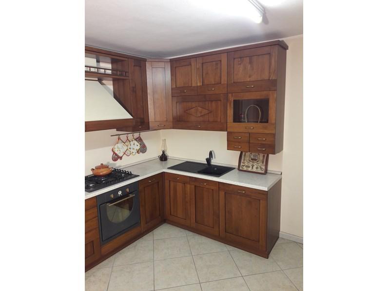 Cucina angolare in legno tinto noce completa di elettrodomestici in offerta - Cucina a gas in offerta ...