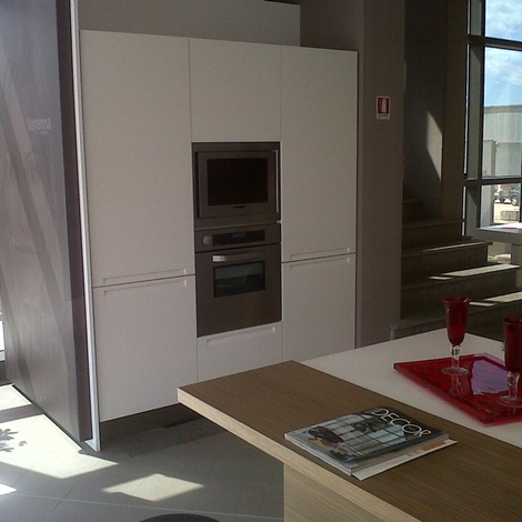 Cucine Minimal Prezzi. Simple Idee Per Cucine In Muratura Con Top In ...