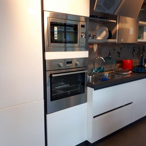 Stosa cucine cucina alev aliant laccata scontato del 62 for Outlet cucine abruzzo