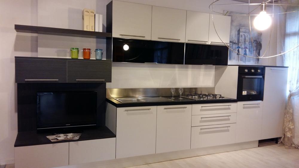 Aran cucine cucina bella moderno laminato materico bianca cucine a prezzi scontati - Aran cucine prezzi ...