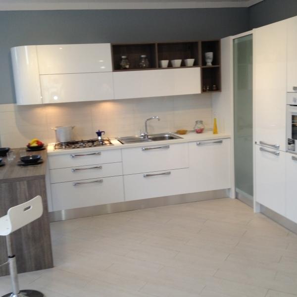 Angolo dispensa cucina aran decora la tua vita - Cucina aran prezzi ...