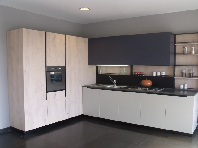Aran cucine cucina lab13 design legno rovere chiaro for Offerte aran cucine