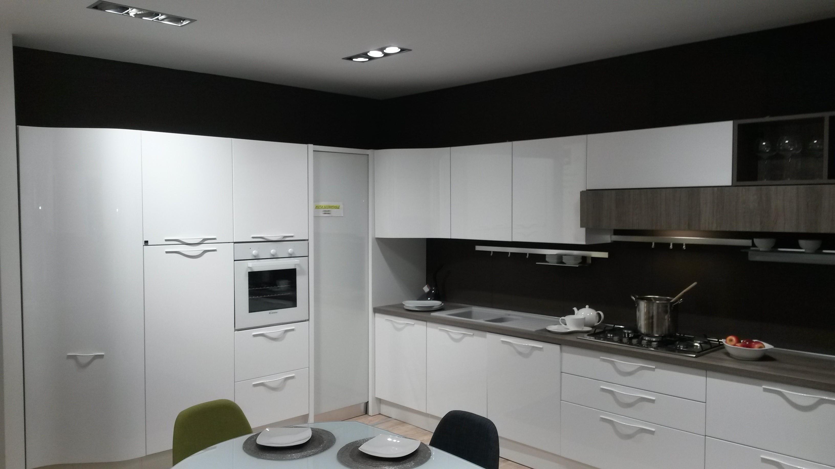 cucina aran cucine terra polimerico scontato del 53 cucine a prezzi scontati. Black Bedroom Furniture Sets. Home Design Ideas