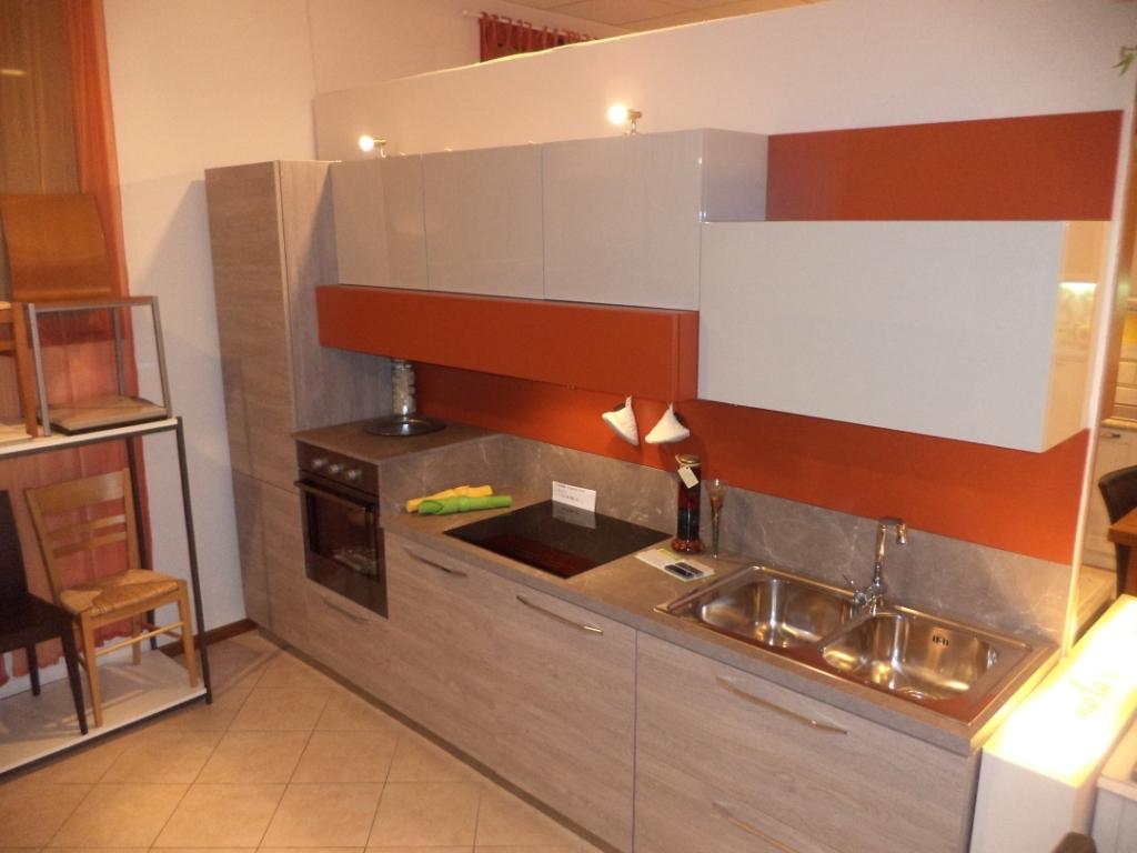 Arredo 3 Cucine Modello Round In Laminato Venato Cucine A Prezzi  #C17C0A 1024 768 Veneta Cucine O Arredo3