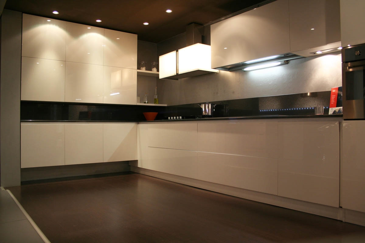Arredo3 cucina lux design cucine a prezzi scontati for Arredo cucina design