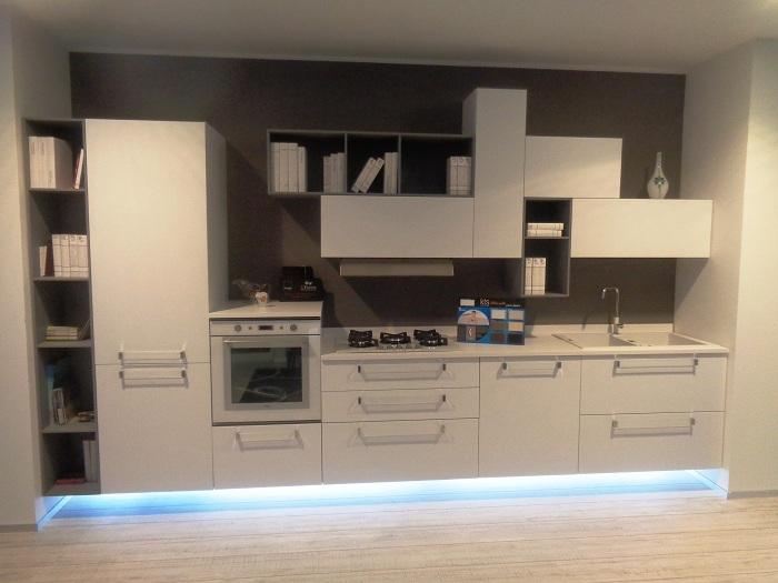 Arrital cucine Cucina Ak02 bianco taglio laser scontato del -50 ...