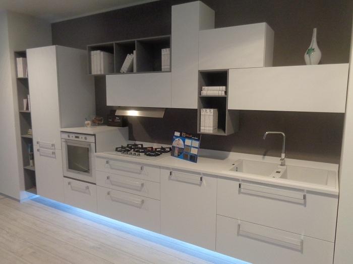 Arrital cucine cucina ak02 bianco taglio laser scontato - Cucine arrital prezzi ...