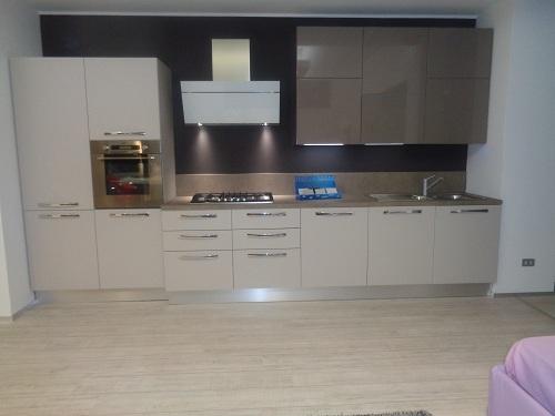 Arrital cucine cucina cucina mod ak01 arrital cucine - Cucina bianca e tortora ...