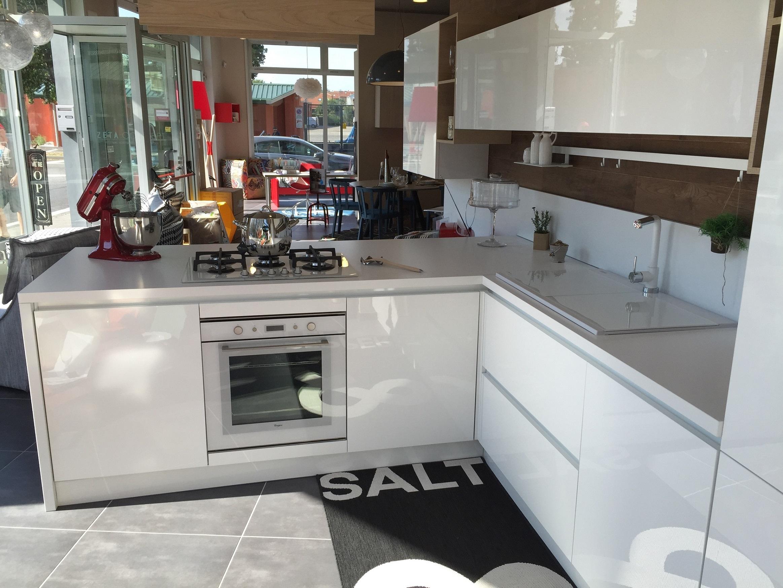 Artre cucina bahia moderna polimerico lucido bianca 60 cucine a prezzi scontati - Ar tre cucine prezzi ...